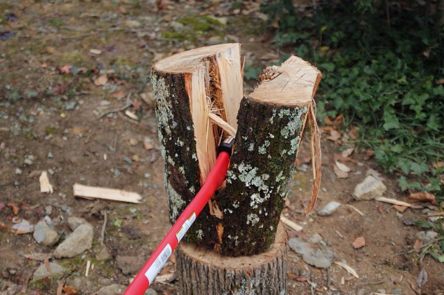 wood-splitting
