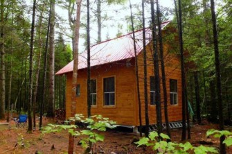 mark-lacroix-small-cabin-6-600x399